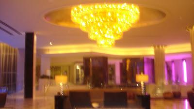 www.insidethelifeofamakeupartist.blogspot.com