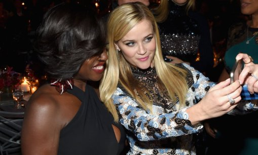 NEW YORK, NY - NOVEMBER 09: Actors Viola Davis (L) and Reese Witherspoon attend the 2015 Glamour Women of The Year Awards dinner hosted by Cindi Leive at The Rainbow Room on November 9, 2015 in New York City. (Photo by Jamie McCarthy/Getty Images for Glamour)